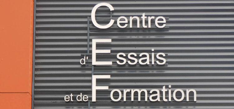 Photo d'une enseigne en lettre pour  signaletique exterieure